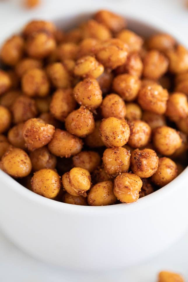A close shot of a bowl with homemade roasted chickpeas