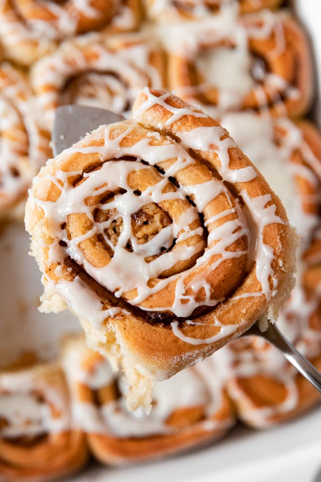 Close-up photo of some vegan cinnamon rolls