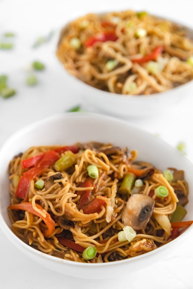 Photo of a bowl of vegetable chow mein