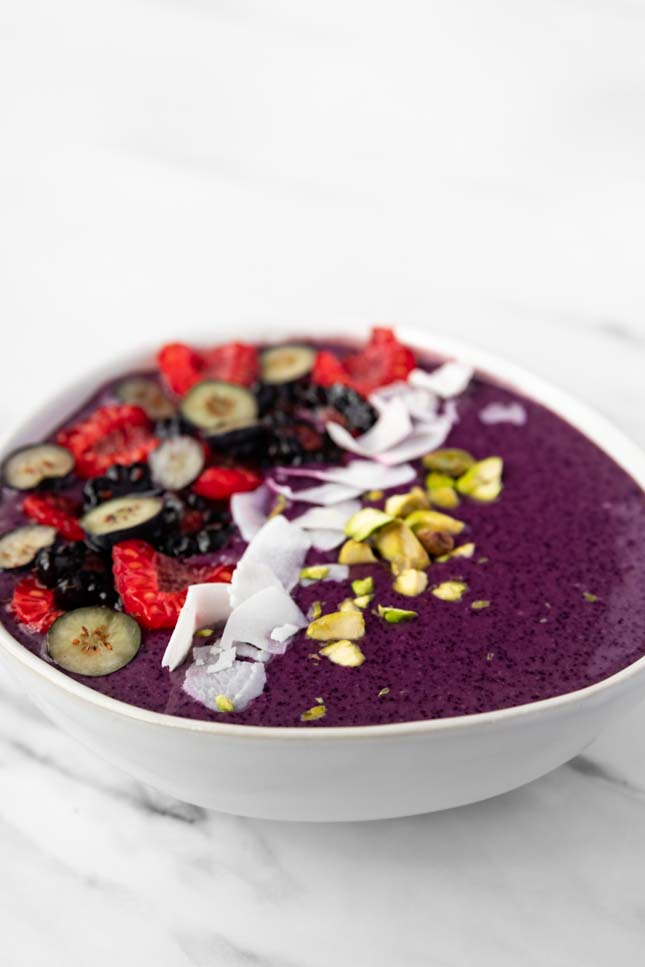 Side photo of a smoothie bowl